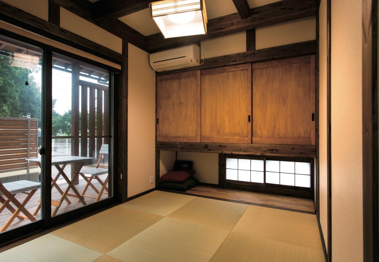 サイエンスホーム【1000万円台、子育て、間取り】普段、肌に触 れる機会の多い建具も無垢材で造作。和室は西日を避けつつ光を取り入れるため地窓を切った