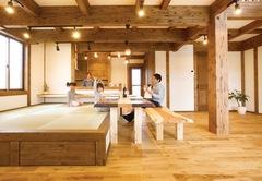 家族の笑顔と絆を育む 畳ダイニングのある木の家