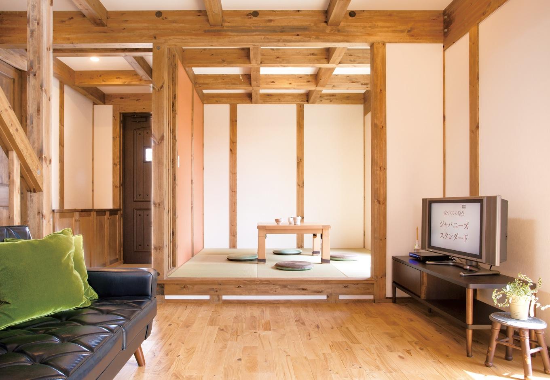 サイエンスホーム【1000万円台、子育て、間取り】小上がりの和室。段差はベンチの代わりにもなる。洗濯物をたたんだり、子どものお昼寝にも便利