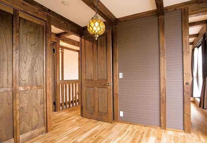 サイエンスホーム【1000万円台、輸入住宅、インテリア】壁紙の一部をアレンジして、シックにまとめた一部屋