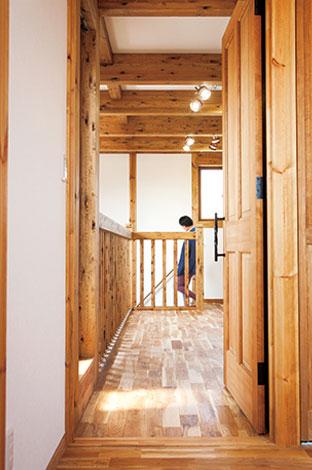 サイエンスホーム【1000万円台、和風、間取り】精密な独自工法により、工期の大幅短縮に成功。無垢材を余す所なくプレカットし、残った材料で建具や家具を作るなど、時間と材料を無駄なく活用する