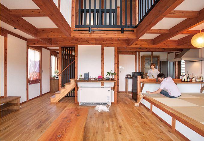 サイエンスホーム【1000万円台、夫婦で暮らす、ペット】LDKのテーブルや飾り棚なども内装に合わせたオリジナル