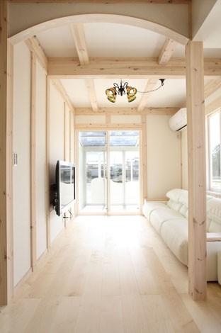 サイエンスホーム【デザイン住宅、輸入住宅、間取り】木の妖精が棲むにふさわしい白いリビング