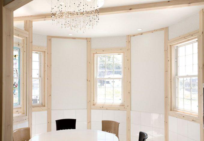 サイエンスホーム【デザイン住宅、輸入住宅、間取り】ラグジュアリーなテイストでコーディネートしたゲストルーム。R のやわらかな空間演出は、ミルキーウェイならではのデザインセンス