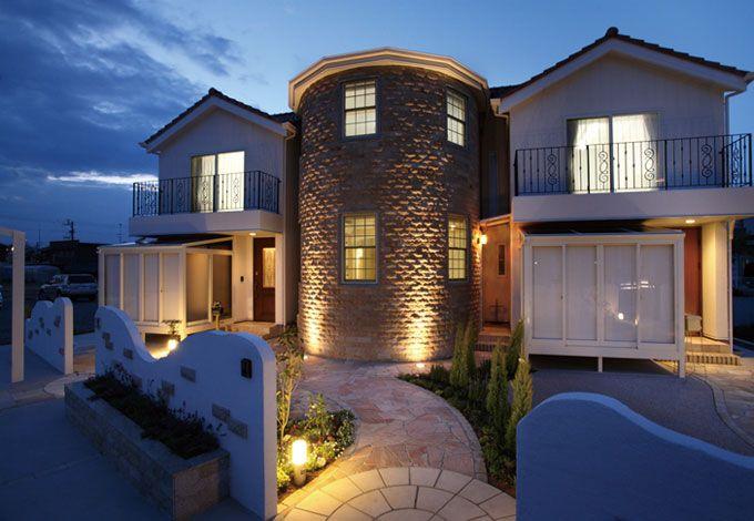 サイエンスホーム【デザイン住宅、輸入住宅、間取り】トワイライトに映える洋館風のフォルムもステキ