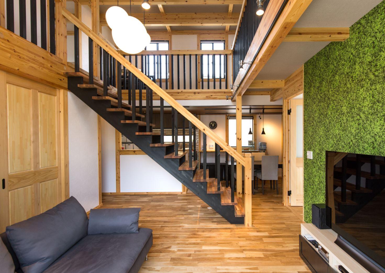 サイエンスホーム【浜松市浜北区西美薗652-2・モデルハウス】木のナチュラルな色の中に黒と緑をコーディネート