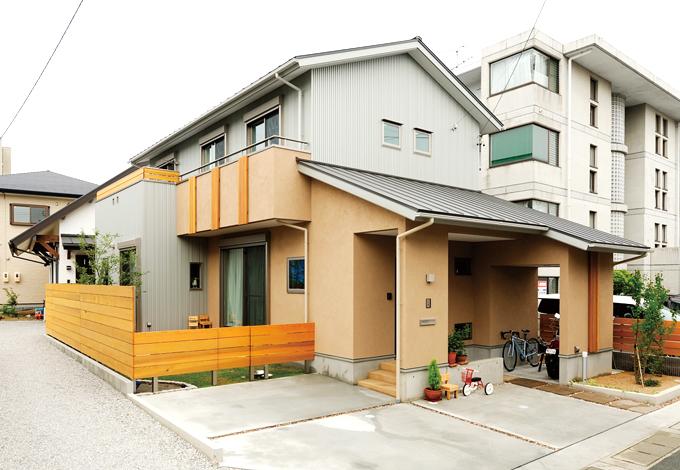 寿建設【デザイン住宅、子育て、自然素材】いつまでも飽きのこない和モダンスタイルの外観