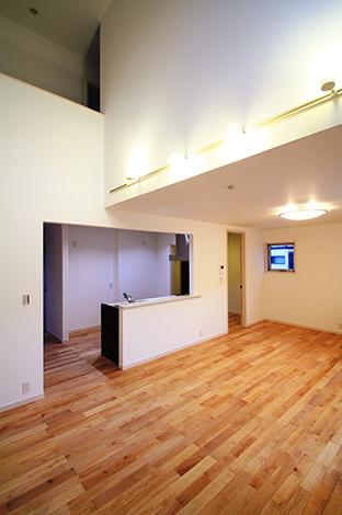 木場建築設計 KIBA-AD【1000万円台、デザイン住宅、収納力】家族の繋がりを感じれる吹き抜けのあるリビング
