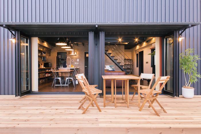 木場建築設計 KIBA-AD【浜松市中区住吉5-8-19・モデルハウス】広いウッドデッキスペース。天気のいい日には外でお茶や食事を楽しむのもいい