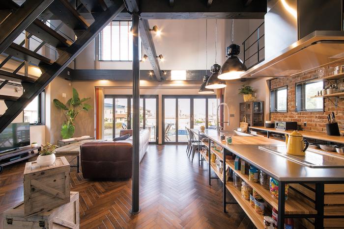 木場建築設計 KIBA-AD【浜松市中区住吉5-8-19・モデルハウス】ヘリンボーン貼りの床には無垢のホワイトオークを使用