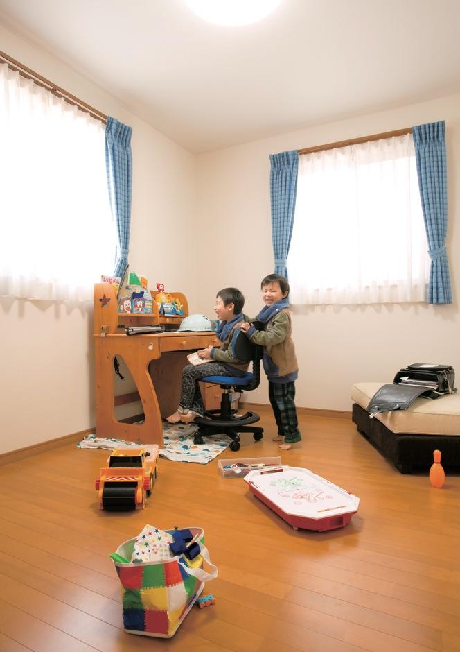 かなめ創建【子育て、狭小住宅、インテリア】住宅ローンを返済する途中で部屋を間仕切る追加工事は費用負担が大きいため、子ども部屋は最初から3つに分けた