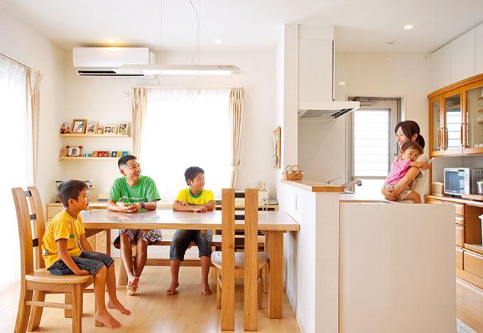 家族の気配を常に感じ、安心&のびのびできる家
