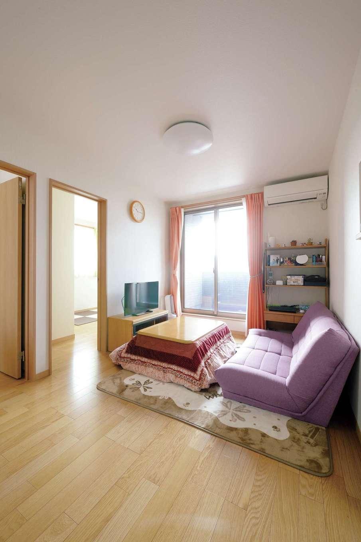 かなめ創建【二世帯住宅、省エネ、間取り】2階のセカンドリビング。奥に子ども室がある