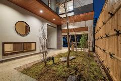 四季の自然と共存する、心安らぐ新和風の家