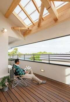 自然素材×クアトロ断熱で二世帯が健やかに暮らす家