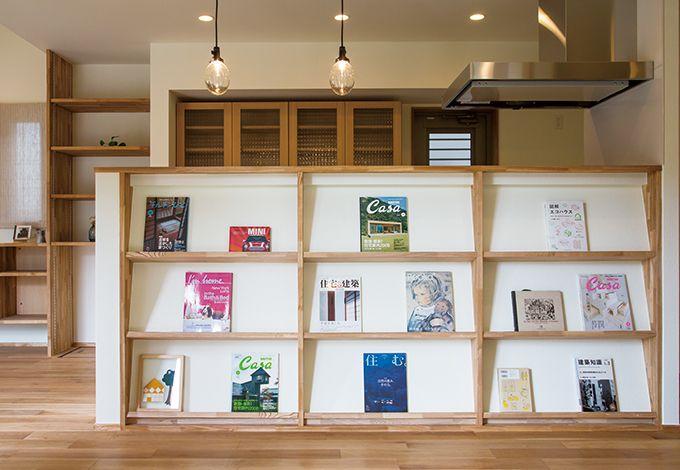 Casa(カーサ)【収納力、趣味、自然素材】「本やCDをポンと置くだけで、飾りになるようなものを」。そんなご主人の言葉がきっかけで生まれたレコードラック
