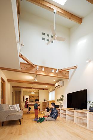 小さな木の家は環境断熱+大屋根で省エネを実現!