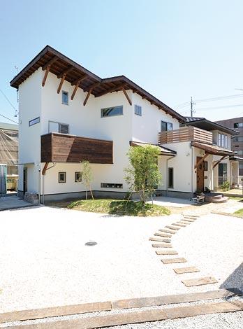 Casa(カーサ)【デザイン住宅、自然素材、間取り】経年美を楽しむアンティークな外観