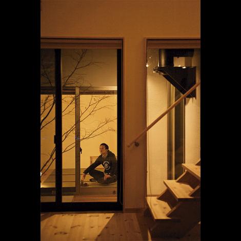 Casa(カーサ)【趣味、自然素材、省エネ】しっとり落ち着いた雰囲気の和室。ここから坪庭の紅葉を眺めながらお酒を呑むのがご主人の夢