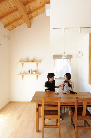 Casa(カーサ)【収納力、趣味、自然素材】ニッチの位置は現場で考えながら作る