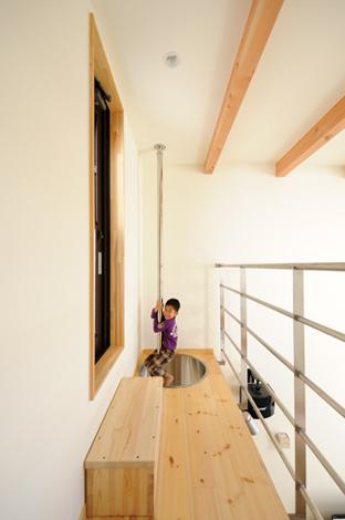 Casa(カーサ)【子育て、趣味、自然素材】大人も子どももワクワクするステンレスの懸垂棒