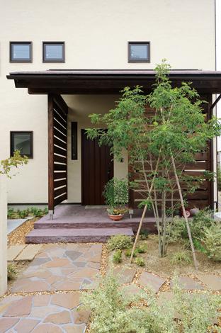 Casa(カーサ)【子育て、自然素材、省エネ】周囲の景観にほどよく溶け込むシンプル で素朴な外観デザイン