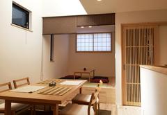 敷地面積28坪、自然素材でつくる都市型デザイン住宅