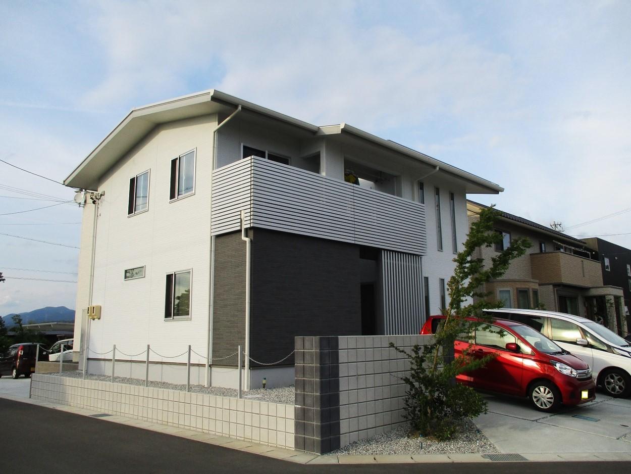 デザインと機能性を兼ね備えた、5人家族36坪の家