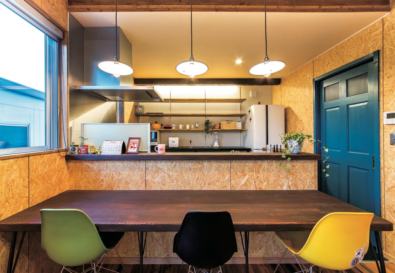 ホームプラザ大東【デザイン住宅、趣味、インテリア】ダイニングテーブルを置かずにカウンターを造り付け。その分リビングを広々使える