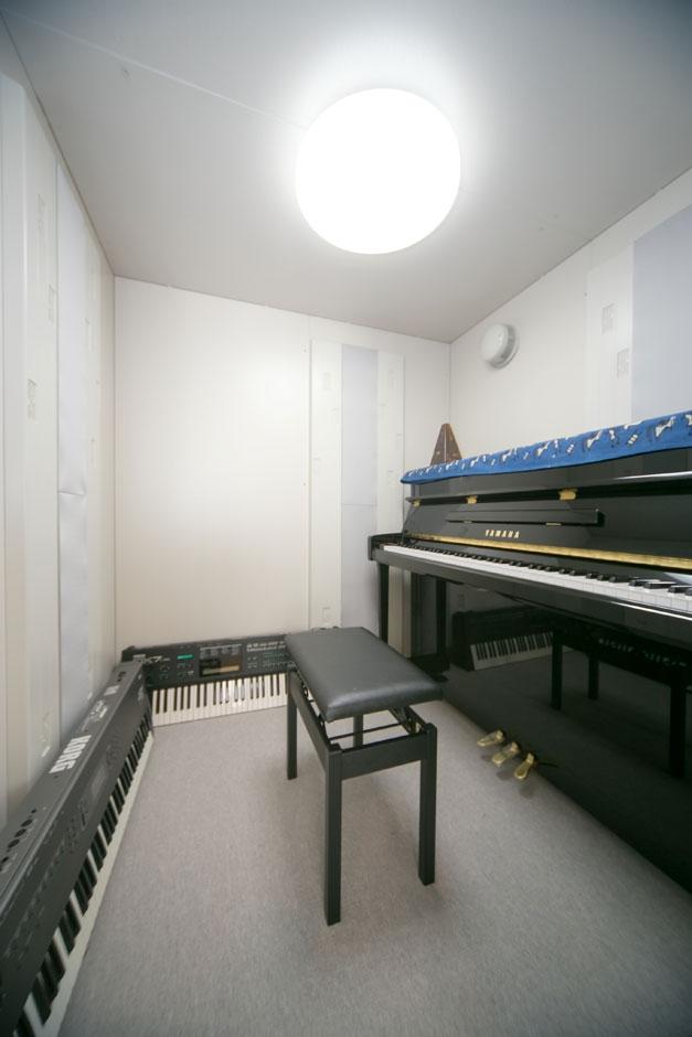 ホームプラザ大東|お母さまが趣味のピアノを存分に楽しめるようにと、専用の防音室を設置