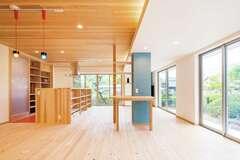 オープンな間取りに木のぬくもり デザイン性、暮らしやすさに大満足