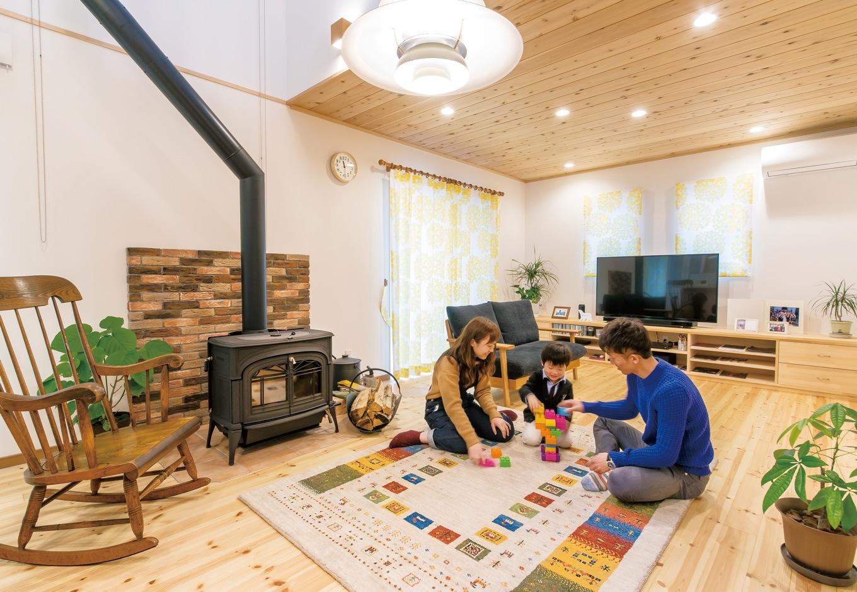 片山建設【自然素材、間取り、ガレージ】家を建ててから、家族や友人と集まる機会が増えたという。取材日も焼津に住む甥っ子が遊びに来てくれた