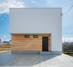 白い塗り壁の家
