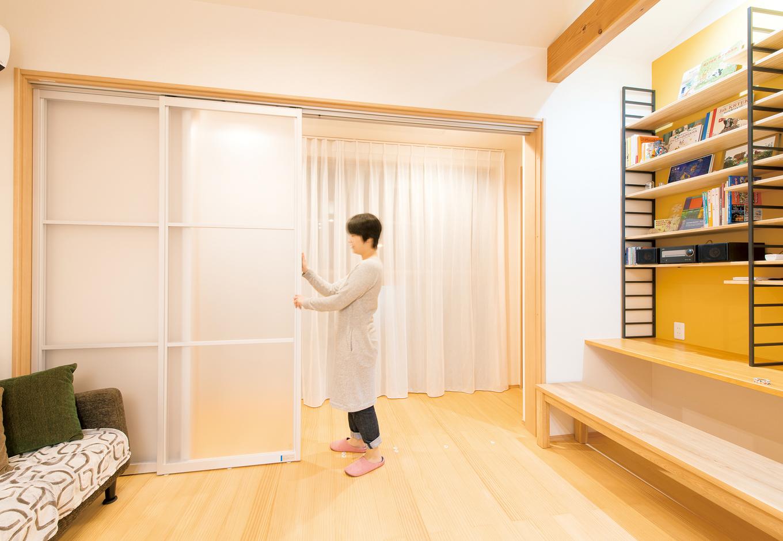 五朋建設【子育て、趣味、省エネ】インナーバルコニーは引き戸を閉めれば、来客時の目隠しやエアコン 効率のアップに役立つ