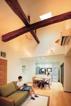 二間の和室は明るいLDKに子どもたちの個室も誕生
