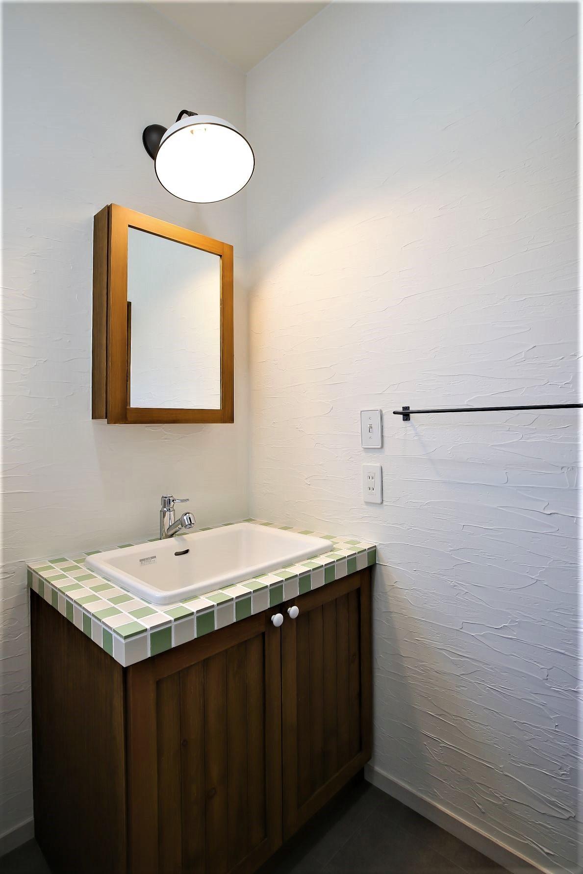 サンエフホーム【デザイン住宅、自然素材、インテリア】タイルや照明など、空間にマッチした物を選択