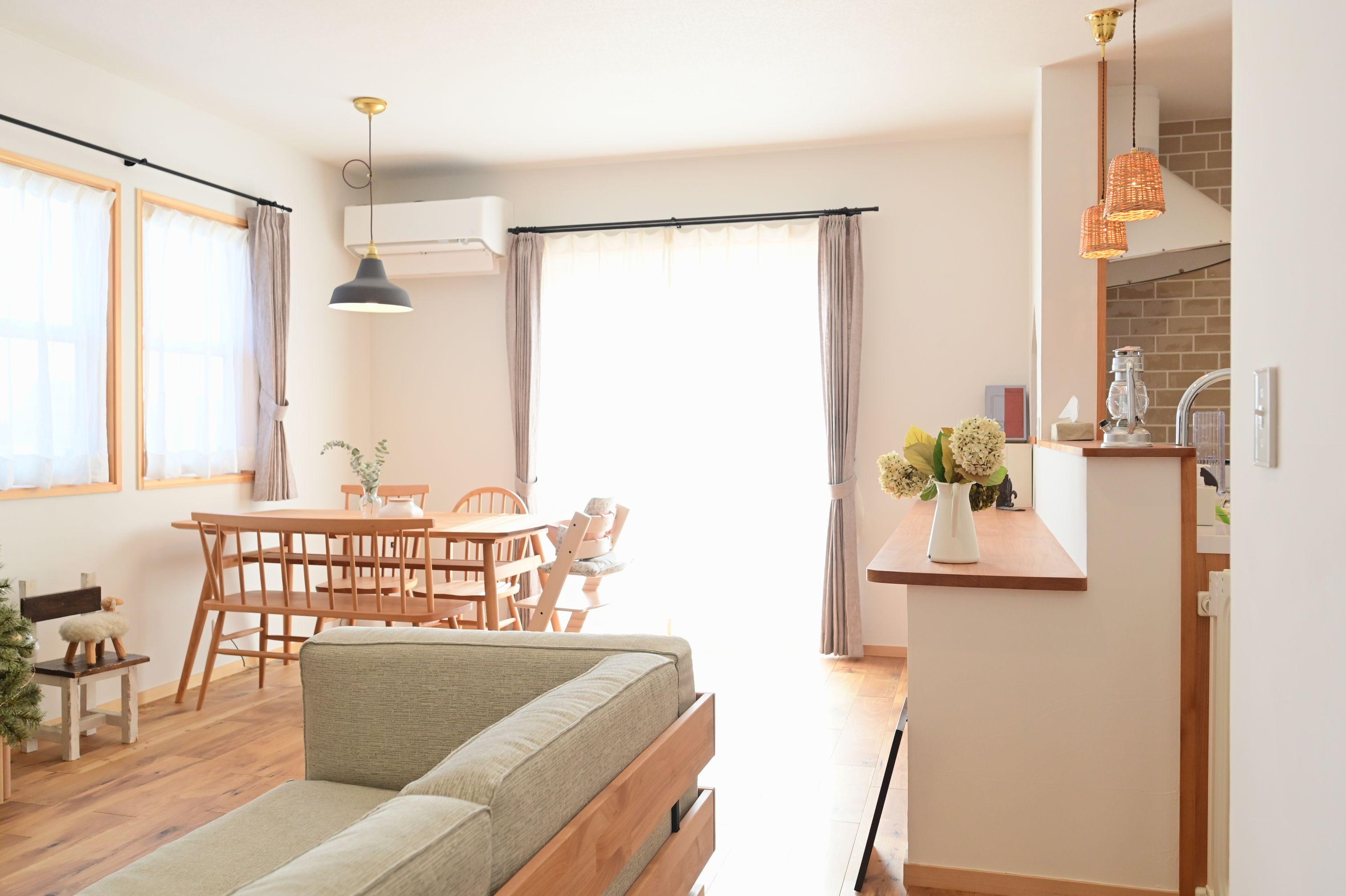 サンエフホーム【デザイン住宅、収納力、自然素材】カフェ風のLDKは本物の素材にこだわった