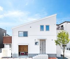 \NEW/モデルハウス 【WAVE】延床28坪のスキップフロア住宅 【予約制】
