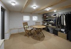 落ち着いた雰囲気で趣味を堪能できるヴィンテージスタイルの家