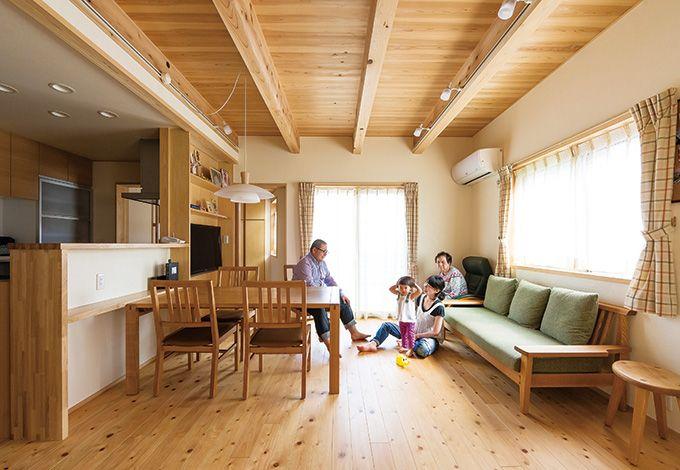 4世代が仲良く暮らす 心地よい木と和の家