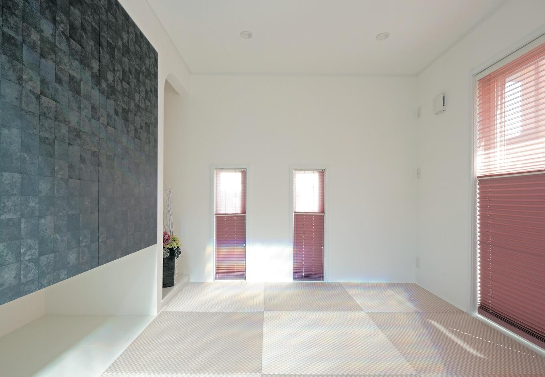 ハートホーム【デザイン住宅、間取り、インテリア】和室だけはあえてピンク色に。クールな家に一つだけあるやわらかな空間はホッと落ち着ける