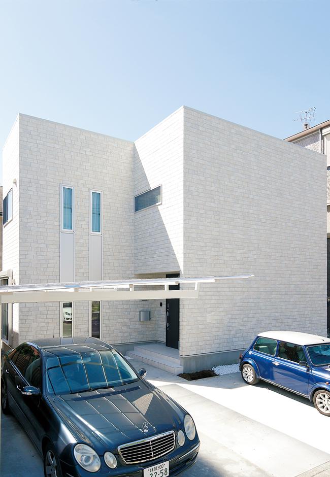 ハートホーム【デザイン住宅、間取り、インテリア】真四角ではない建物の形がMさんのご希望。ポーチを凹ませて少し変化をつけた