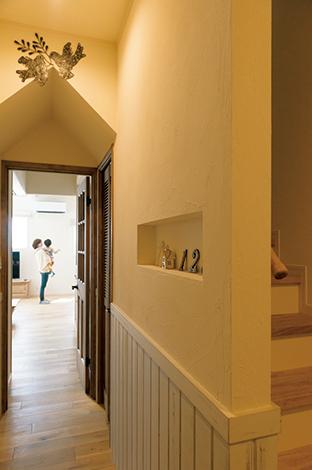 ハートホーム【デザイン住宅、趣味、間取り】垂れ壁を三角にしたり波線にしたり、空間の雰囲気に合わせて形をオーダー