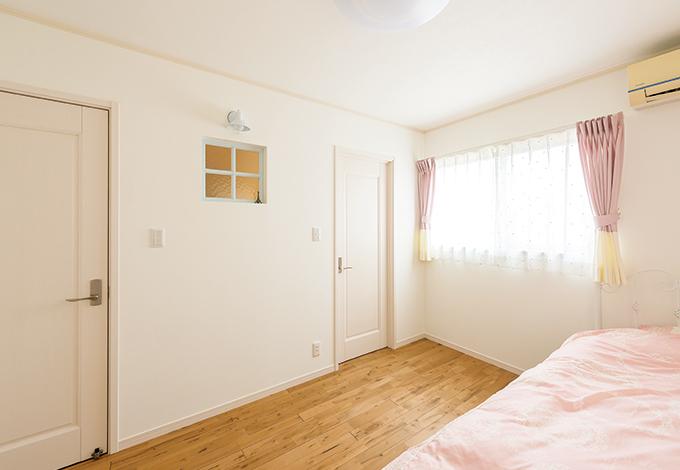 ハートホーム【デザイン住宅、趣味、間取り】中学3年生の長女の寝室は、お姫様をイメー ジしてかわいらしく