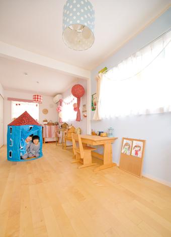 ハートホーム【デザイン住宅、自然素材、間取り】「自分の部屋がほしい」というお子さまの声が家づくりのきっ かけに。しばらくは広々と使う予定