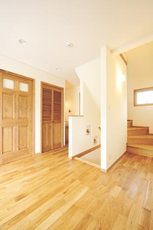 ハートホーム【デザイン住宅、子育て、輸入住宅】動線部分にも自然素材をふんだんに使用