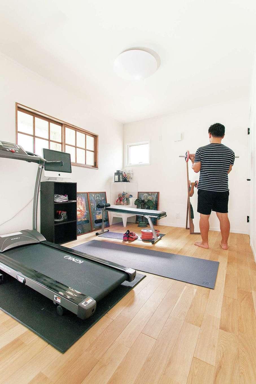 ハートホーム【子育て、輸入住宅、自然素材】多忙なご主人の健康の源はこのトレーニングルームから
