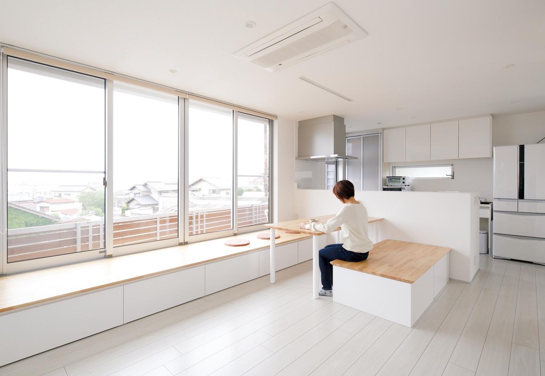 大人がすっきり暮らす家はシンプル&フレキシブルな空間