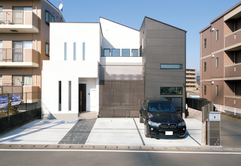 納得住宅工房【デザイン住宅、収納力、インテリア】ツートーンカラーに仕上げたスクエアな外観はすっきりとした印象