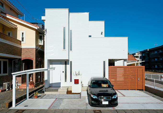 納得住宅工房【デザイン住宅、建築家、インテリア】シンプルでおしゃれな外観。外壁は耐久性、遮音性に富むALCパワーボード